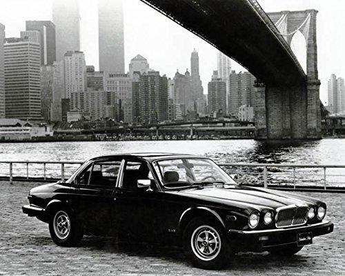 1986 Jaguar XJ6 Vanden Plas Automobile Photo Poster Twin Towers