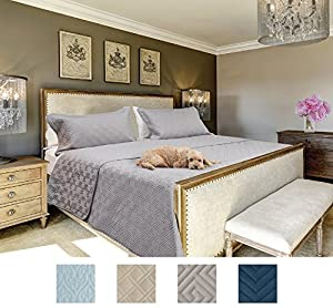 The CONNECTICUT HOME COMPANY Luxury Bedspread Quilt Collection, 3-Piece includes Shams, Oversized and Thick, Quilted Pattern, Top Choice by Decorators, Machine Washable (Gray-Maze: Queen/Full)