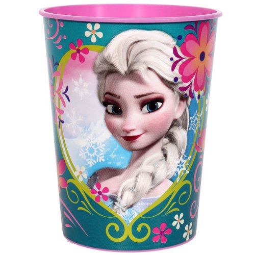 with Frozen Party Tableware design