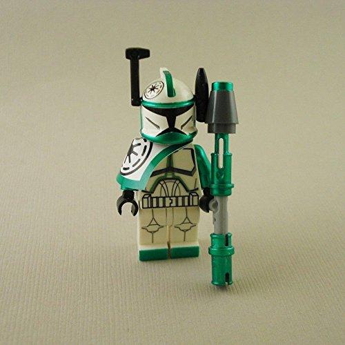 [Commander Arc Green Gree mini figure] (Wall E Costume Disney)