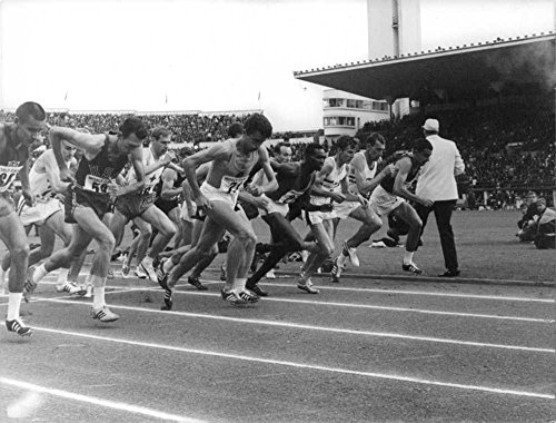 Vintage photo of Billy Mills (US), Bob Schul (US), Michel Jazy (FR), Kipchoge Keino (Kenya), Jürgen Haase (GDR), Unknown, Ron Clarke (AUS) starting race.