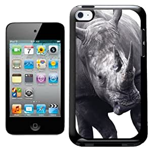 Fancy A Snuggle - Carcasa para iPod Touch 4G, diseño de rinoceronte