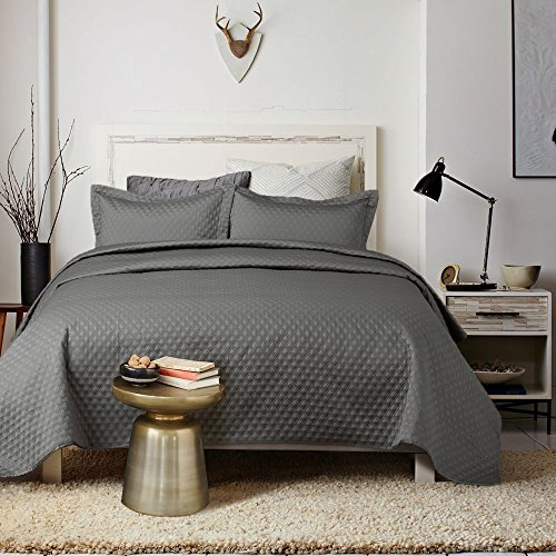 Find Bargain Bedsure 3-Piece Bedding Quilt set Grey Charcoal King size 106x96 Bedspread with 2 Pillo...