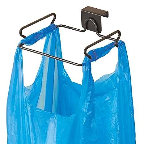 mDesign Soporte para bolsa de basura – Práctico soporte para basura y bolsas – en acero con acabado en bronce – fácil instalación de la bolsa de ...