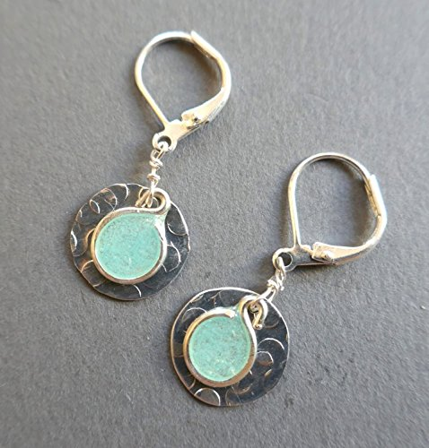 handmade pink small lightweight silvertone hammered metal disc womens earrings