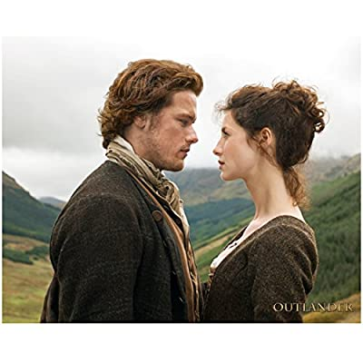 Sam Heughan as Jamie Fraser in Outlander Face to Face with Caitriona Balfe 8 x 10 inch Photo