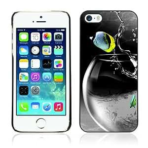 CaseCaptain Carcasa Funda Case - Apple iPhone 5 / 5S / Cool Rocket Fish /