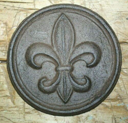 - JumpingLight Cast Iron Fleur DE LIS Plaque Finial Garden Sign Home Wall Decor Rustic Brown Cast Iron Decor for Vintage Industrial Home Accessory Decorative Gift