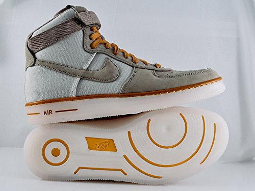 best loved a6608 853a2 Amazon.com  NIKE AF1 Downtown HI Mens Basketball Shoe BambooBamboo-Light  Bone-Bronze  Basketball