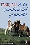 img - for A la sombra del granado / Shadows of the Pomegranate Tree (Spanish Edition) book / textbook / text book