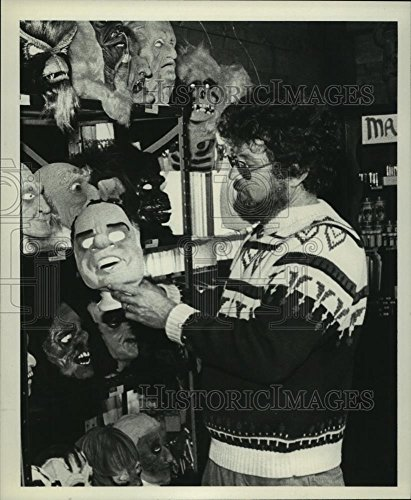 Historic Images 1981 Press Photo Fred Myers with mask in his Ballston Spa, NY Halloween store - 8.25 x 6.75 in