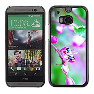 Hot Style Cell Phone PC Hard Case Cover // M00102322 bee nature // HTC One M8