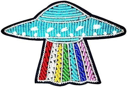 手刺繍バッジ創造的な絶妙な宇宙船マローダーUFOインドシルクブローチ
