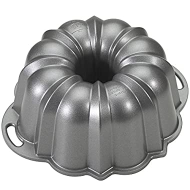 Nordic Ware Platinum Collection Bundt Pan, 10-15 Cups