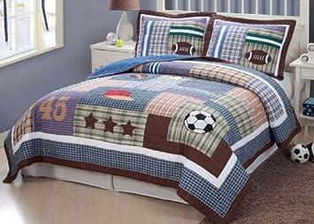 Amazon.com: Field Sports Quilt Set Size: Twin: Home & Kitchen : twin sports quilt - Adamdwight.com