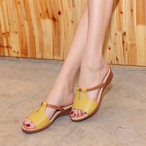 Cool Zapatillas Mujeres Estudiantes Inferior Suave Al Aire Libre En Verano Sandalias Versión Coreana Pendiente Inferior Grueso Con Una Palabra Arrastre Yellow