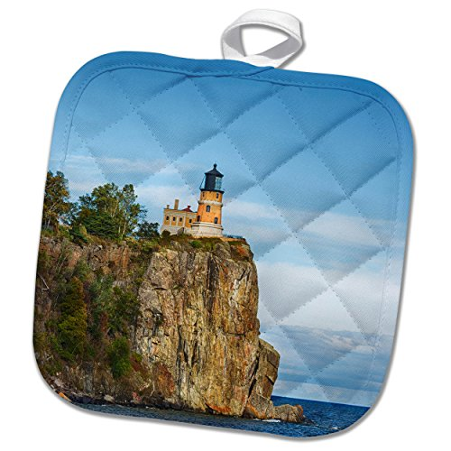 Rock Pictures Lighthouse Split (3dRose Danita Delimont - Lighthouses - Minnesota, Lake Superior. Split Rock Lighthouse perched atop a cliff. - 8x8 Potholder (phl_279143_1))