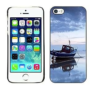 TopCaseStore / la caja del caucho duro de la cubierta de protección de la piel - Nature Sea Boat - Apple iPhone 5 / 5S