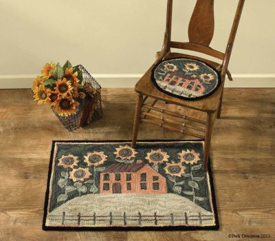 House & Sunflowers Hooked Chair Pad w/tie ons