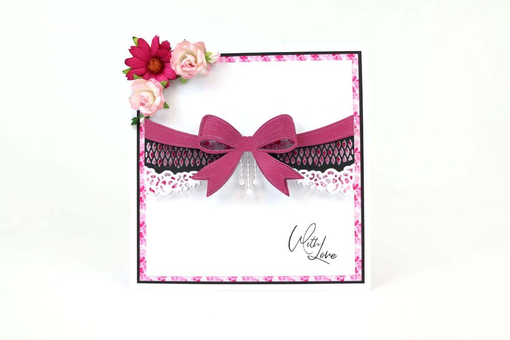 Tattered Lace Bow /& Border Cutting Die 442930