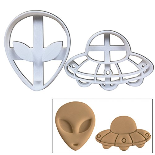 SET of 2: Alien and UFO cookie cutters, 2 pcs, Perfect for spooky Halloween parties]()