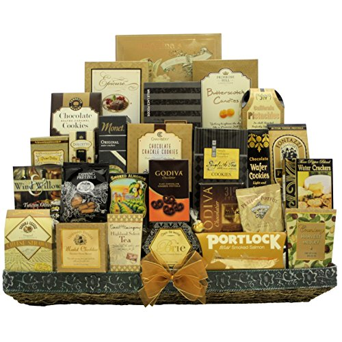 GreatArrivals Holiday VIP Gourmet Holiday Christmas Gift Basket, 15 Pound by GreatArrivals Gift Baskets