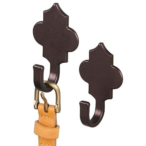 mDesign Ganchos de Pared AFFIXX – Colgadores Adhesivos para pañuelos, Joyas o Toallas – Dos percheros de Pared de Estilo marroquí – Color: Bronce