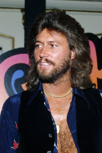 Barry Gibb buys johnny cash home