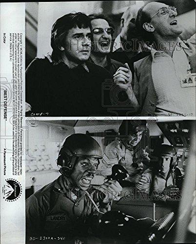 1984 Press Photo Eddie Murphy Actor Dudley Moore Best Defense Comedy Movie Film - Historic Images