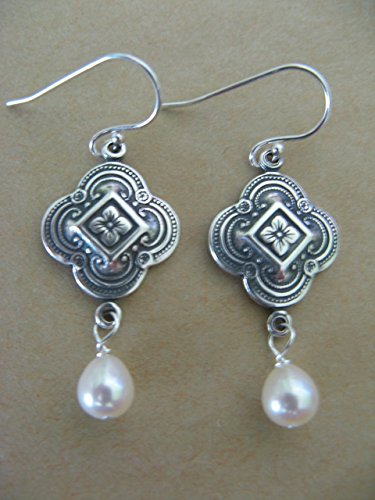 Vintage Style Cultured White Pearl Sterling Silver ()