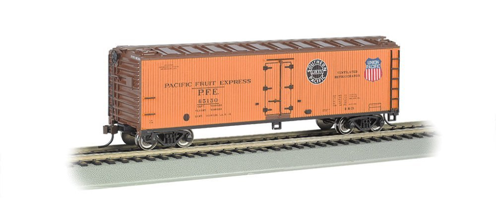 Bachmann Industries 40' Wood Reefer - Pacific Fruit Express (HO Scale)