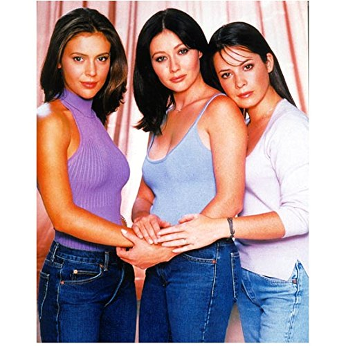 - Charmed 8x10 Photo Holly Marie Combs/Piper Halliwell, Alyssa Milano/Phoebe Halliwell & Shannen Doherty/Prue Halliwell Purple/Blue/White Tops and Jeans Cast Photo kn