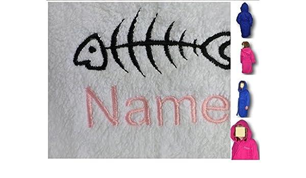 Albornoz con capucha para niños de pescado Logo y tira de nombre de cada tu elección, edad 4 en color rosa: Amazon.es: Hogar