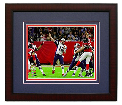 New England Patriots Tom Brady During The Super Bowl LI. Framed 8x10 Photo Picture. (passing)