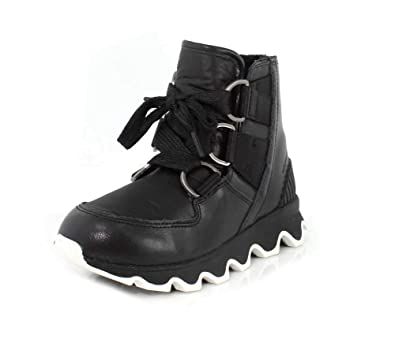 bef74d1ee6 Amazon.com | SOREL Women's Kinetic Short Lace Up Booties | Snow Boots