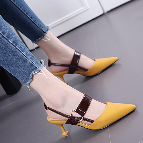 Mujer de moda de verano sandalias acentuadas de los estiletes Todo-Fósforo de la hebilla de correa Zapatos con poca gato boca Light yellow