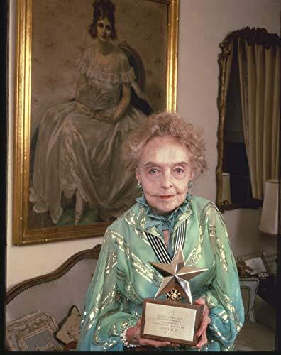 (Lillian Gish Original Cbs 4x5 Transparency Holding Her Afi Lifetime achievement)