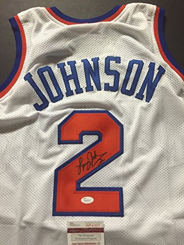 (Autographed/Signed Larry Johnson New York White Basketball Jersey JSA COA )