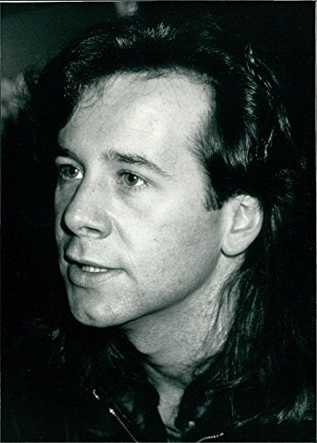 Vintage photo of Portrait of Scottish Rock star Jim Kerr. ()