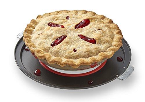 Betty Crocker Pie Baking Pan Oven Guard