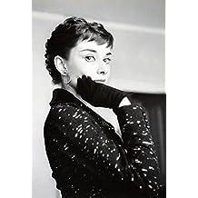 "Audrey Hepburn. Black & White Photo Print Poster (16"" X 23.5"")"