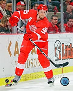 Niklas Kronwall Detroit Red Wings NHL Action Photo 8x10