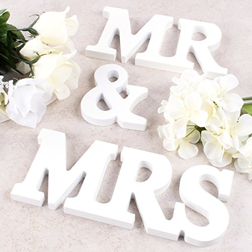 Super Z Outlet White Wooden Mr and Mrs Signs Wedding Present for Party Table Top Dinner Decoration, Display Stand Figures, Home Wall]()