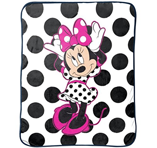 - Disney Minnie Mouse All About Dots Silk Touch Throw,46 in X 60 in