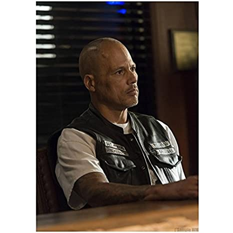 Sons Of Anarchy 8x10 Photo David Labrava Sitting At Table Kn At