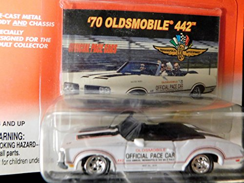 - 1970 Oldsmobile 442 Official Pace Cars Indianapolis Motor Speedway Edition 1:64 scale die-cast by Johnny Lightning