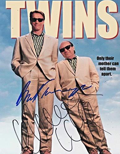 - Photo Twins - Arnold Schwarzenegger & Danny Devito Autograph Signed 8 x 10