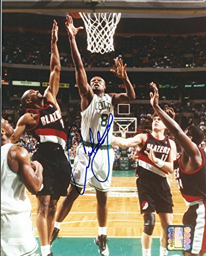 Autographed Antoine Walker 8x10 Boston Celtics Photo W/coa