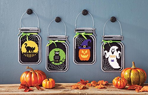 Spooky Halloween Mason Jar Plastic Canvas Kit ()