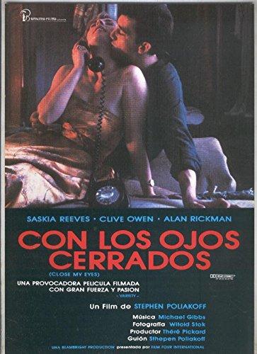 Caratula cine: Con los ojos cerrados (Saskia Reeves-Clive ...